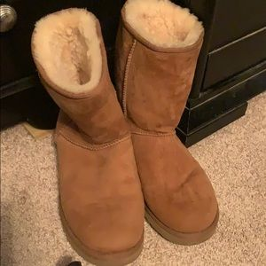 Barely worn- like new size 10 ankle UGGS